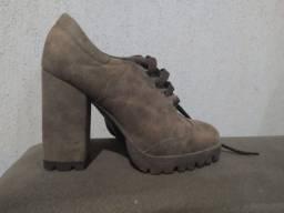Sapato salto trator lindo