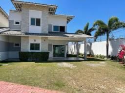 Casa em condomínio fechado na Precabura com 03 suítes e dependência completa