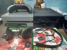 Vendo ou Troco por PC Gamer Xbox One Special Edition + 69 jogos (Leia a descrição)