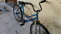 Bicicleta aro aero boa porém precisa de um rolamento e um canote coisa barata
