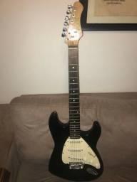 Guitarra stratocaster dolphin com cabo p10 p10 e faixa
