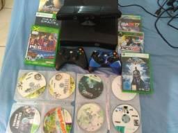 Vendo Xbox 360 destravamento lt 3.0, 2 controles originais, Kinect e alguns jogos
