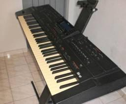 Teclado Roland G-800