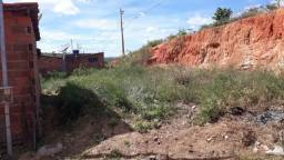 Terreno no bairro Planalto/ casa no darvio Cordeiro