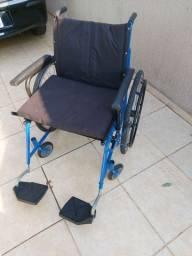 Cadeira de rodas tamanho especial