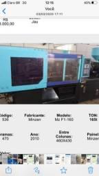 Máquina industrial injetora convencional