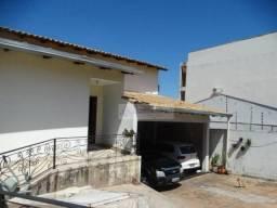 Casa com 4 dormitórios à venda, 320 m² por R$ 850.000,00 - Baú - Cuiabá/MT