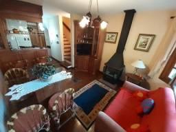 Lindo Apartamento 2 dormitórios em Gramado , mobiliado , no Lago Negro . Oportunidade