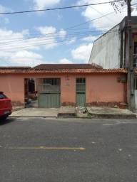 Casa no Conjunto Jardim Paraíso 40hs