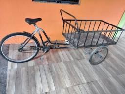 Vendo triciclo 800,00