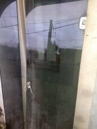 Porta de vidro fumê abrir e fechar