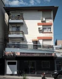 Apartamento de 02 dormitórios com garagem para venda em Santa Maria