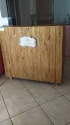 Balcão caixa feito de palet