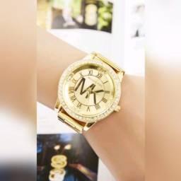 Relógio feminino Michael Kors.