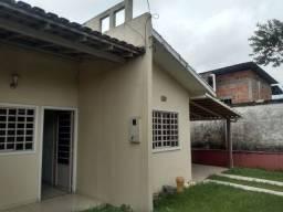 Linda residência pronta pra morar em condomínio fechado