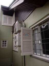 Casa com 2 dormitórios à venda, 311 m² por R$ 800.000 - Nossa Senhora das Graças - Canoas/