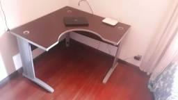 Mesa de escritório semi novo