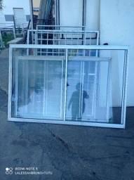 Janela de vidro com alumínio