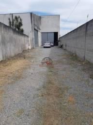 Galpão na Santa Clara, 275m² com Pé Direito de 7 metros, Acesso para Caminhões