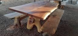 Mesa rústica 2,5 por 1.10 Madeira angico com dois bancos pronta entrega