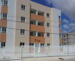Apartamento térreo com área privativa no Bancários, com 02 quartos
