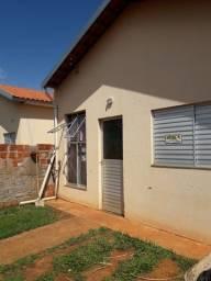 Casa financiada nova aquecedor solar ,pé laranja e parreira de uva