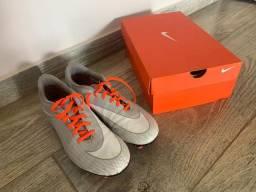 Chuteira Nike 41