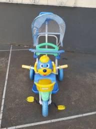 Triciclo  3 x 1  - com empurrador /  pedalar- Bel- fix.