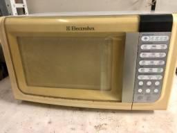 Forno microondas Electrolux 23l