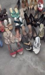 Roupas/ calçados