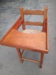 Vendo uma cadeira infantil