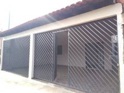 Alugo casa condomínio - Bairro Tijuca