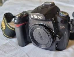 Nikon D90 com lente
