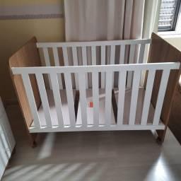 Berço e mini cama com colchão