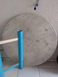 Tampo de mármore e base azul