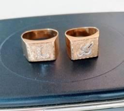 Par de anéis em ouro 18k