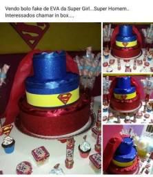 Bolo Fake Super Man - Super Girl .