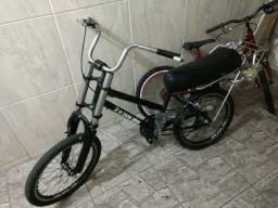 Vende-se esta bike ta zera so da um salve se tiver enterresi