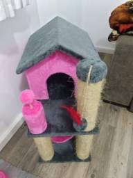Casinha de gato c arranhador