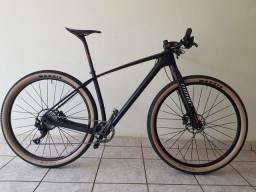 Bike de carbono 8.500 kg