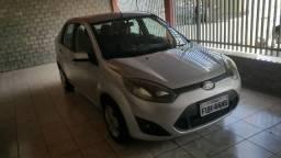 Ford Fiesta sedã Completo 1.0, 4 Portas, ano 2014, Prata - 2014