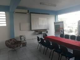 Sala equipada para Reunião