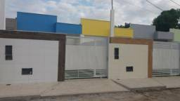 Casas a 100 metros da Avenida Noide Cerqueira, Feira de Santana-BA
