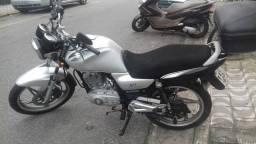Moto 2012 única dona. R$ 3700,00 aceita cartão