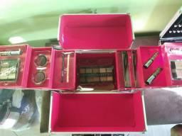 Maquiagem nova na caixa