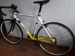 Bicicleta gt type cx series