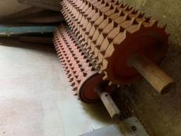 Rolo dentado, rolo de tração, para picador de madeira,