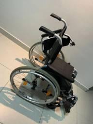 Vendo otima cadeira de rodas