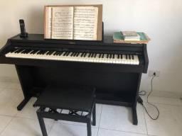 Piano Digital Roland, não há cordas para ser afinado! Única dona!