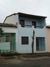 Alugo casa no Centro de Conquista !